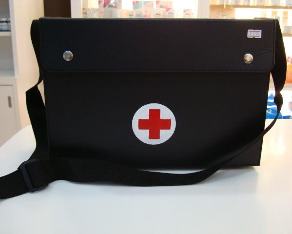 กระเป๋าใส่ยาแบบสะพายใบใหญ่ขนาด 21x35.5x24 cm (กว้างxยาวxสูง)