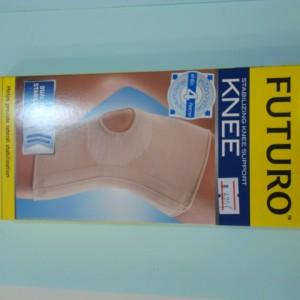อุปกรณ์ช่วยพยุงหัวเข่าแบบมีแกนด้านข้าง Futuro Size S,M,L